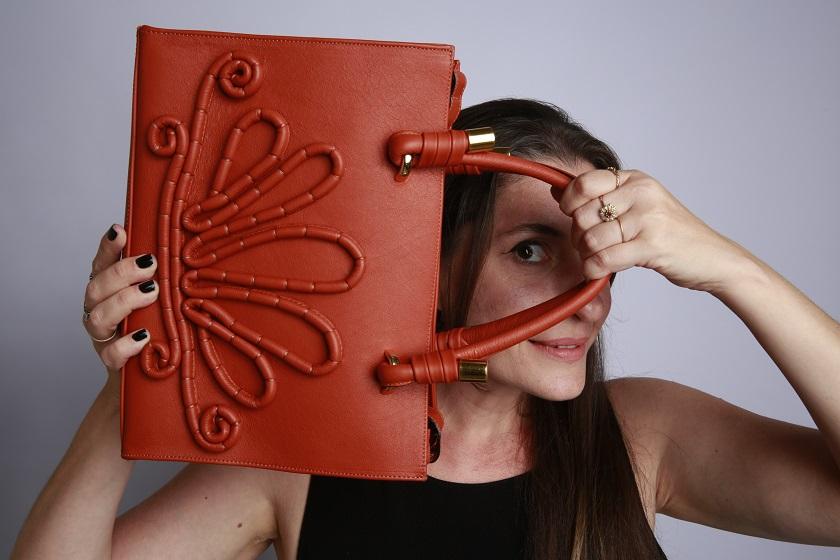 f1cf976e9 Vanessa Checoli lança sua brand de bolsas Aimée de la Tour