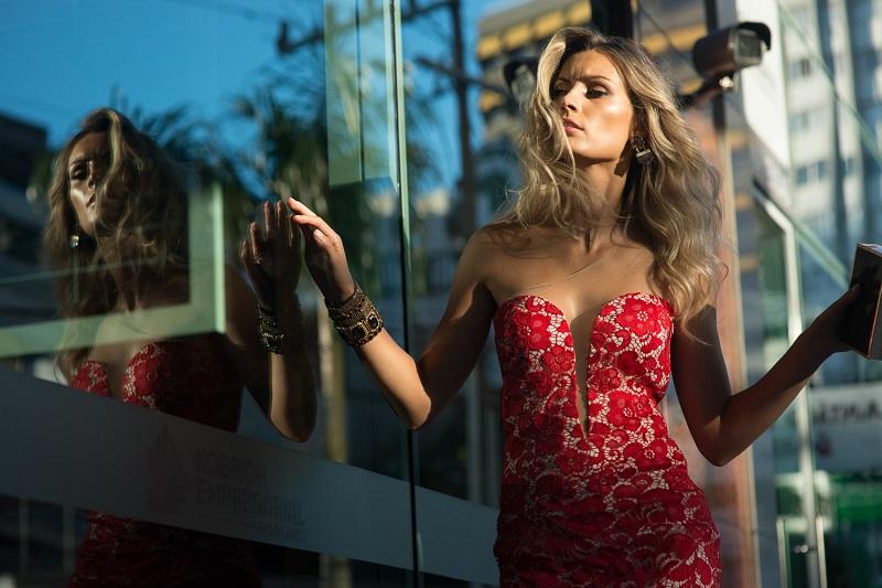 a21c4c406 Bazar Online de Vestidos de Festa Arrecada Fundos para Combate ao Câncer
