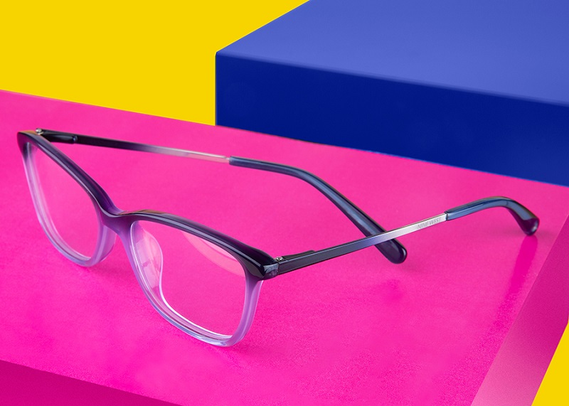 Nine West Eyewear lança novas ofertas de óculos criados para  pré-adolescentes, adolescentes e mulheres jovens b7c23a4845