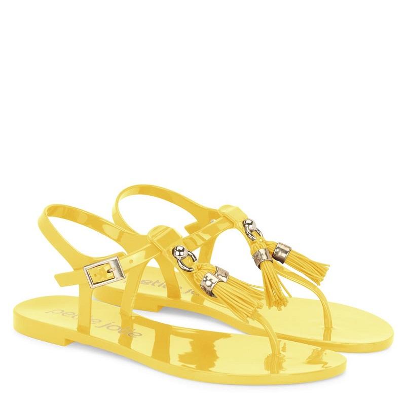 2e505db964 Petite Jolie investe forte no amarelo