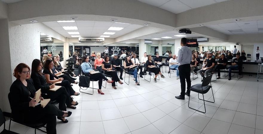 99c43ae8c1 Keune Academy Curitiba forma profissionais no mercado da beleza