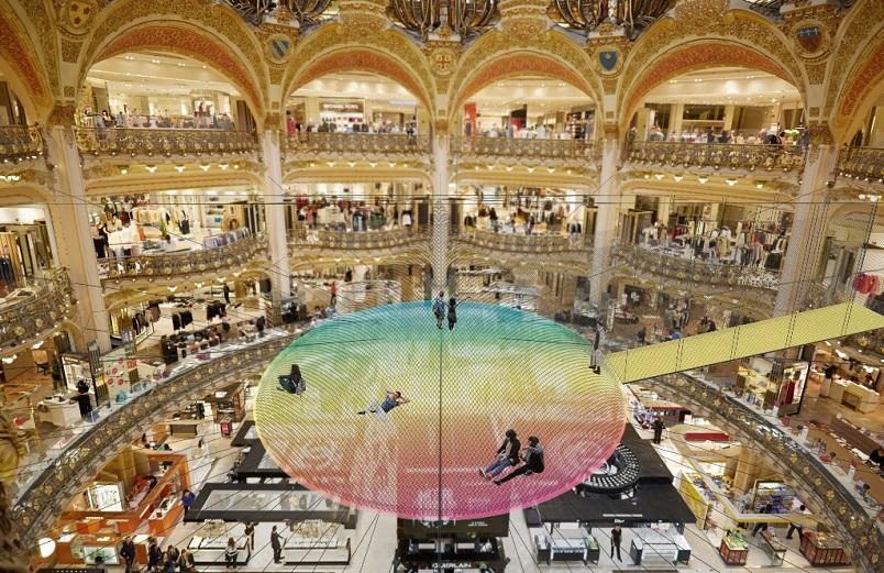 fb7e46aaa5c Galeries Lafayette celebra a chegada da primavera europeia com o projeto   Funorama